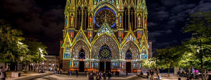 Cathédrale reims illuminée de nuits rue des vignerons