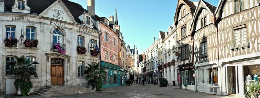 Centre ville Auxerre, vieille ville Auxerre, centre historique Auxerre