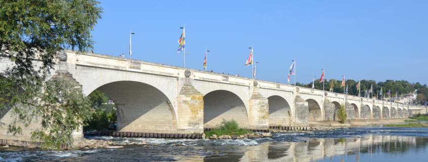 Pont Wilson Tours