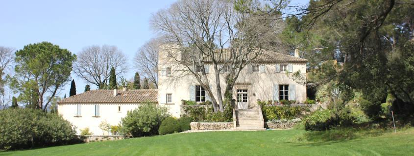 Domaine Dalmeran winery les baux de provence