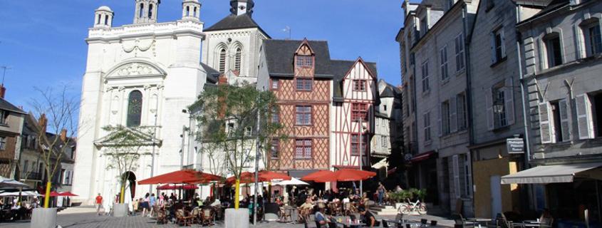 saumur old town, saint peter square