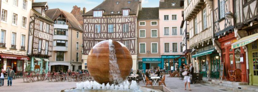 Chalon-sur-Saône , place Chalon-sur-Saône, centre piétonnier Chalon-sur-Saône