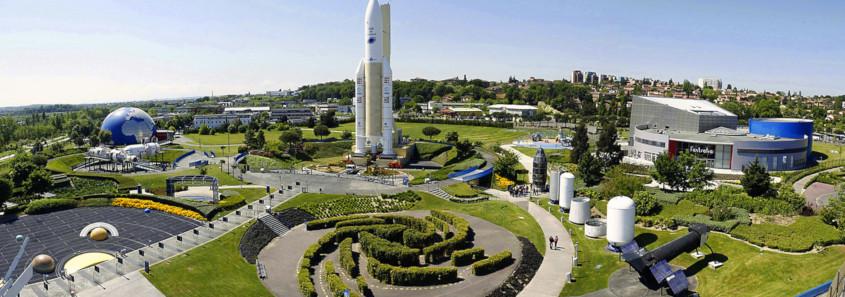 Cité de l'Espace, Cité de l'Espace toulouse, fusée ariane, capsule soyouz, station MIR, simulateur de marche lunaire,