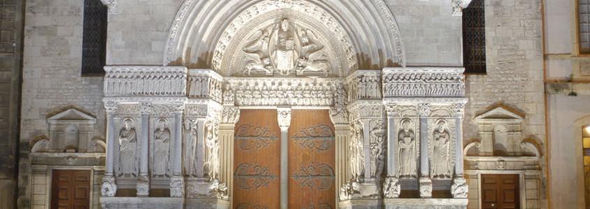 Cathédrale Saint Trophime, Cathédrale Saint Trophime arles, cathédrale arles, monuments arles