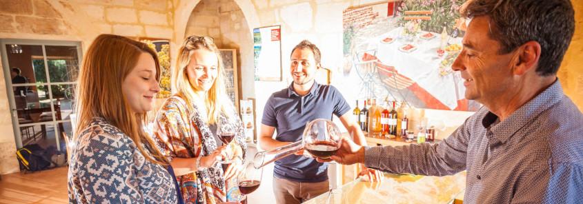 Château Mourgues du Grès, Château Mourgues du Grès beaucaire, chateau vallée du rhone, domaine vallée du rhone, dégustation vin vallee du rhone