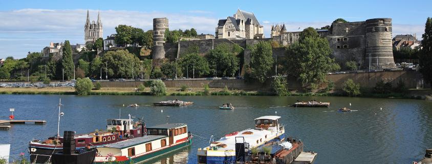 Vue sur le château d' Angers, ville d'angers, route des vins angers