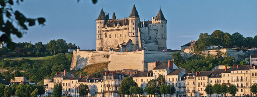 Vue sur le château de Saumur, ville de saumur, saumur, saumur loire, route des vins saumur, route des vins loire, ville route des vins loire