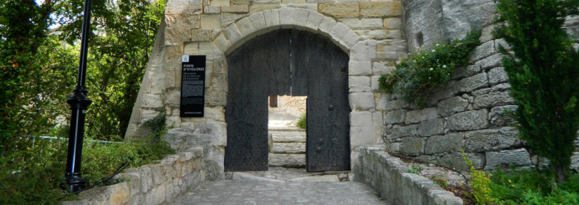Porte d'Eyguieres, Porte d'Eyguieres Baux de Provence, village Baux de Provence, ruelles Baux de Provence
