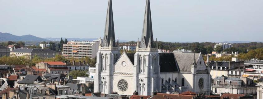 L'église Saint Jacques Pau