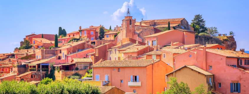 Le village de Roussillon dans le